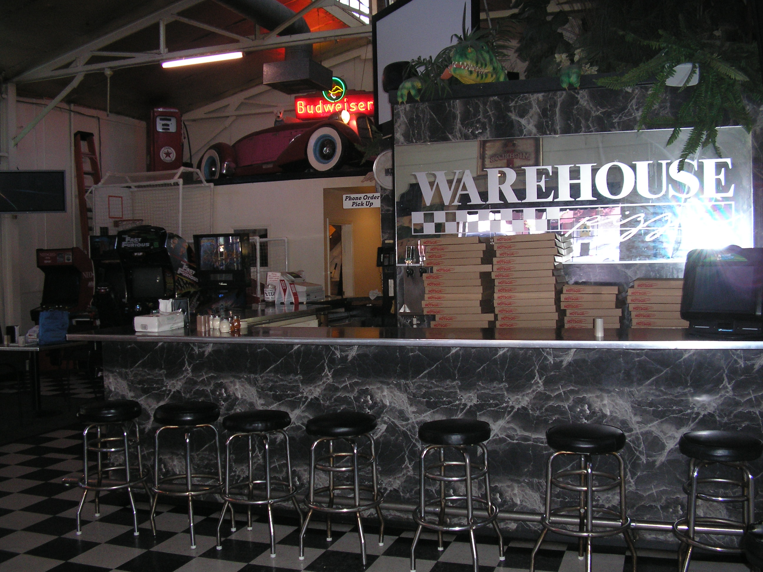 WAREHOUSEbar006.jpg